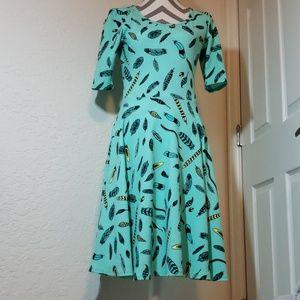 Lularoe Nicole feather dress sz M EUC